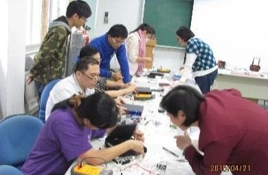 09化學科與地科教師社群--赴師大化學系參與研習(製作電漿與光譜儀)