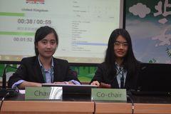 21-本校同學擔任「國中生模擬聯合國會議」主席、副主席