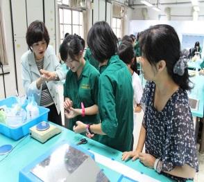 22-化學科「出神入化」特色課程教案甄選獲獎