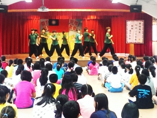 18-春暉社團赴小學宣導