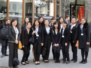 14遠征布達佩斯參加模擬聯合國會議